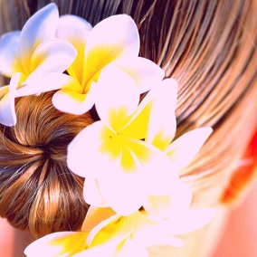 head massage with frangipani nourishing hair and scalp treatment