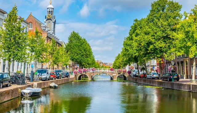 Leiden's canals - Discover the history of Leiden - Holland.com