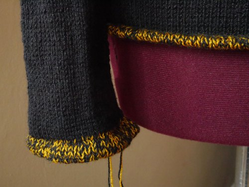 knitted hem