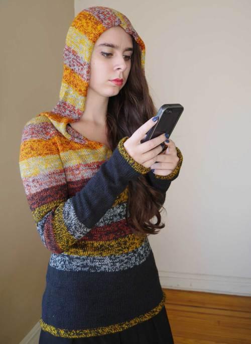 Versio Sweater - hood