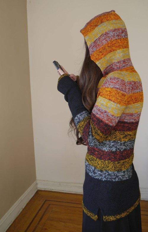 Versio Sweater - side view