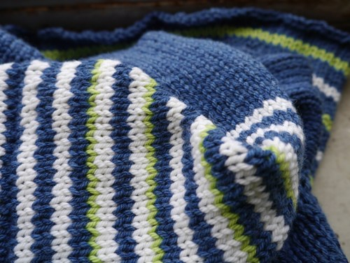 knitting-close-up-2