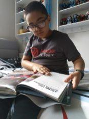 Reading (16)