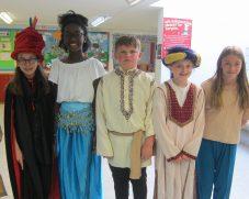 Aladdin Cast A (17)