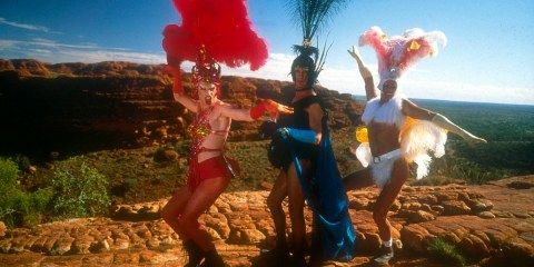 Priscilla Queen Of The Desert  Starring Guy Pearce, Terence Stamp and Hugo Weaving  © Polygram Film Internat