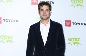 Joshua Jackson has learned from playing dads