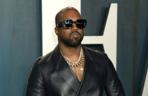 Kanye West unfollows Kim Kardashian West and her family on Twitter