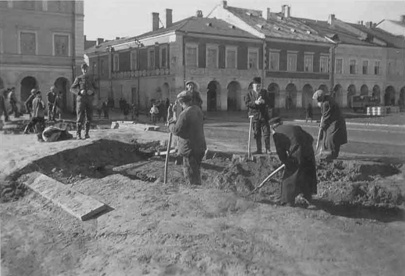 Image result for photo of zamosc, poland during WWII