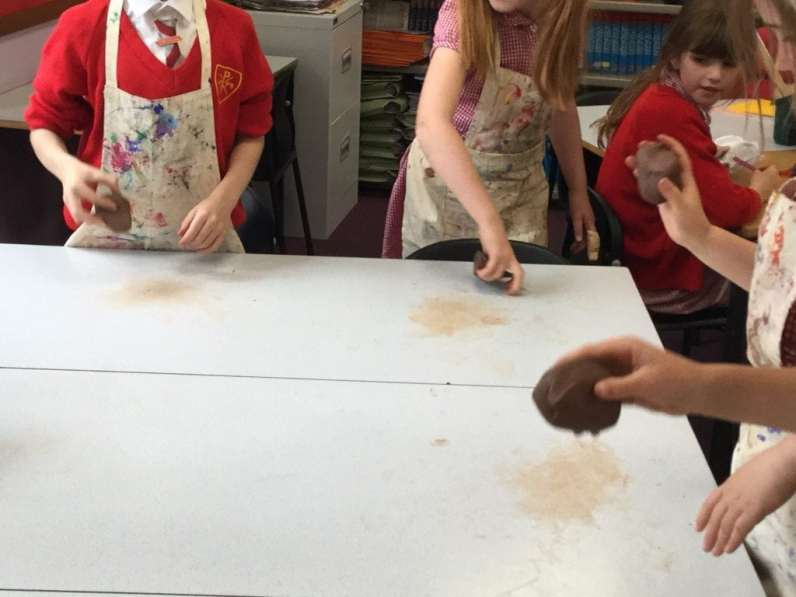 Wedging clay (1)
