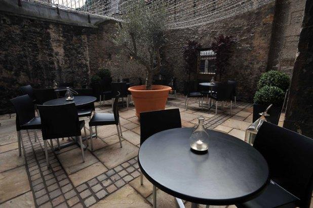 Divino Enoteca Courtyard