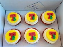 Food and Drink PR photography T in the park cupckaes by Cuckoos Bakery