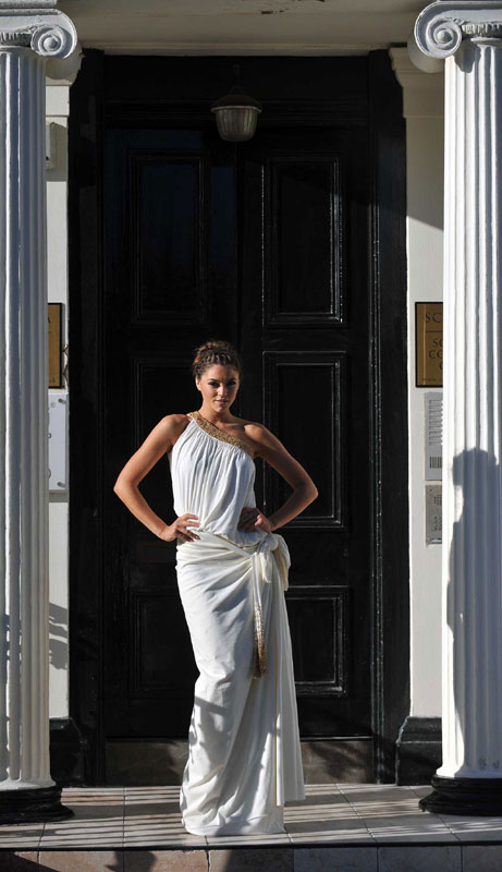 Miss Scotland Nicola Mimnagh poses as the Venus de Milo to highlight the launch of the Sculpta Clinic in Glasgow. The clinic is Scotland's only one-stop shop for pioneering cosmetic treatments such as Vaser liposuction and Visia face scanning.