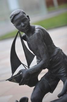 28-FEB-Waterfront-statue_2