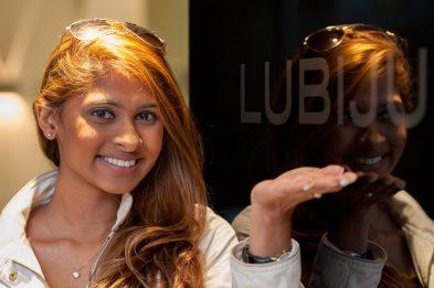 Miss Singapore to get cosmetic dental treatment in Edinburgh.
