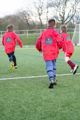 North Berwick Primary School team training in their new jackets. The team are proud to wear their jackets everywhere, thanks to a new sponsorship by CALA Homes.