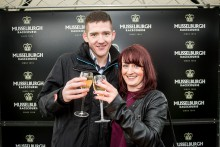 Man pops the question at Musselburgh Racecourse
