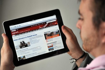 Reading news online on an iPad