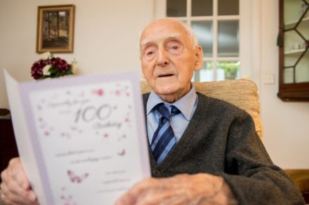 Photography PR captures Willie reading his 100th Birthday cards