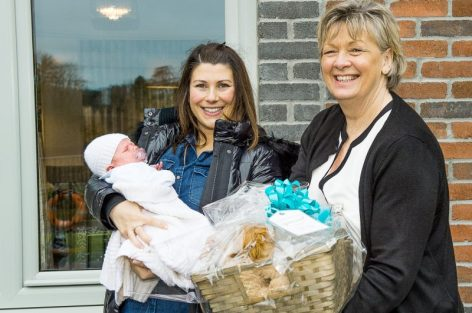 PR Photography shows CALA Homes Sales Advisor, Jenny Thomson with Rosie Considine