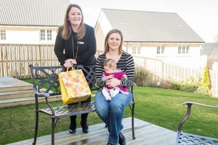 Cala Craigpark newborn babies - Freya McShane with baby Mila