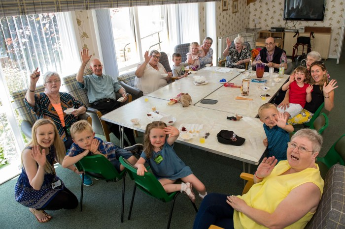 West Lothian Bield Tenants Celebrate Bo'ness Festival | Scottish PR