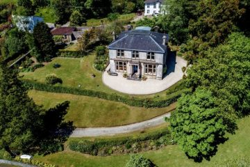 PR photography of a country house for sale