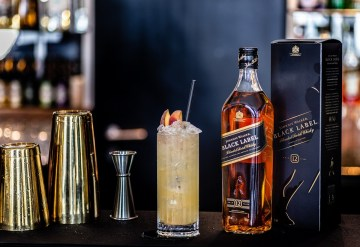 Food and drink PR photography of Otro's Johnnie Walker Peach Iced Tea cocktail
