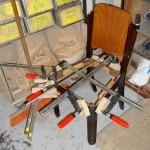Stuhl-Fixierung mit Schraubzwingen