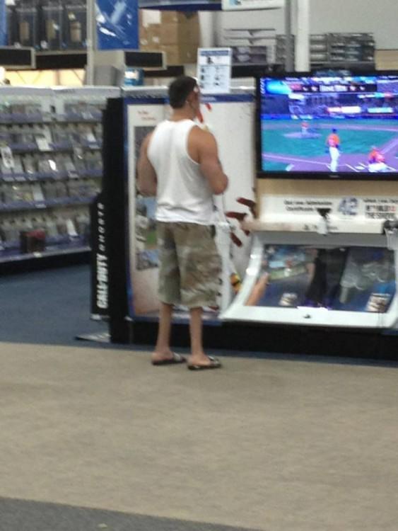 [FOTOS] Hombres que se olvidaron de hacer piernas en el gym