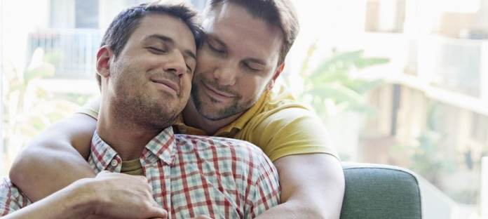 te-metes-con-los-gays-porque-en-el-fondo-te-atraen-mucho-los-hombres