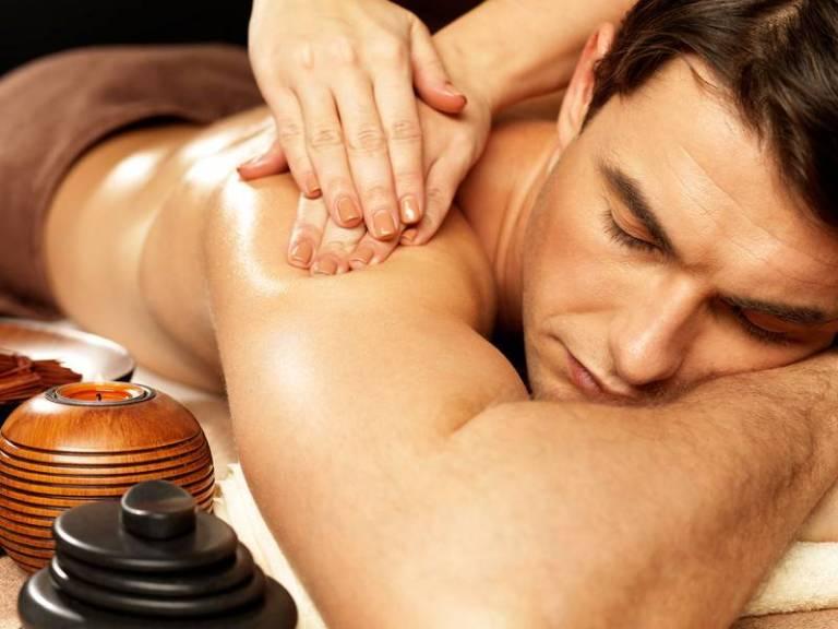Cómo hacer el masaje erótico perfecto en Pareja