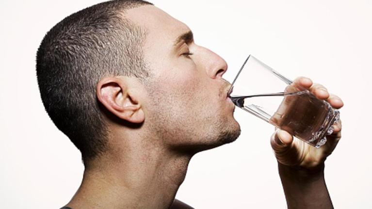 5 síntomas de deshidratación que se presentan aunque no tengas sed