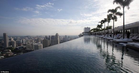 marina-swimming-pool