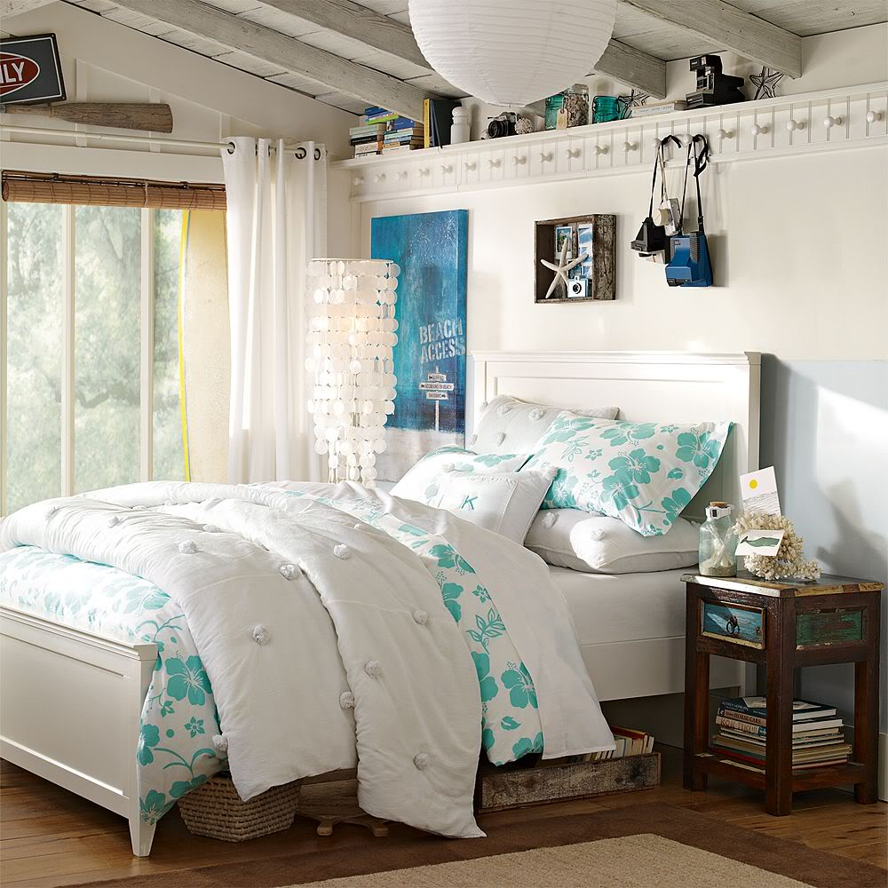 4 teen girls bedroom 29 on Teenage Bedroom Ideas  id=90651