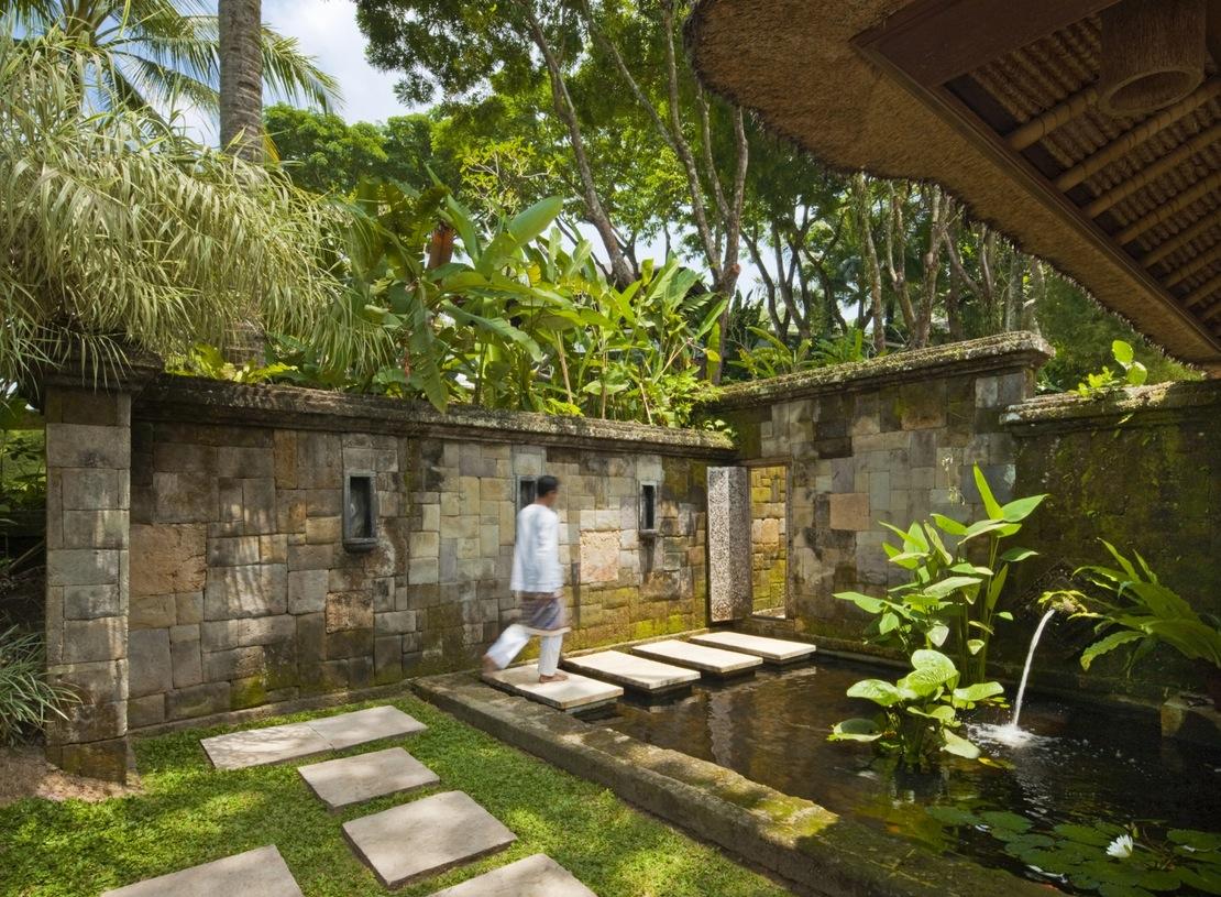 Como Shambhala Estate: Yet Another Stunning Bali Retreat on Backyard Feature Walls  id=60613