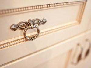 家具の扉を飾る 〜つまみ〜
