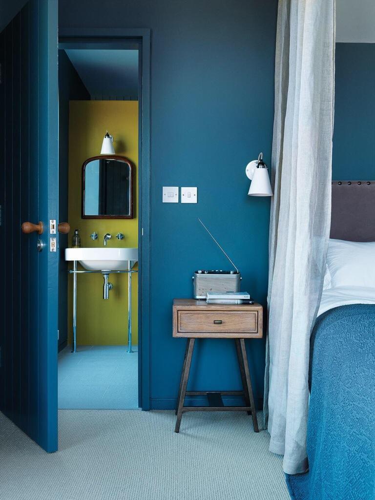 [clip]青+白 色彩に包まれる寝室