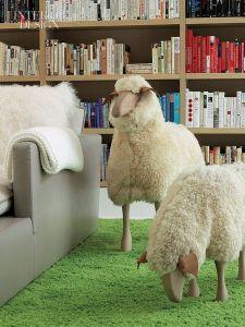 来年は羊年。インテリアにも羊を取り入れて
