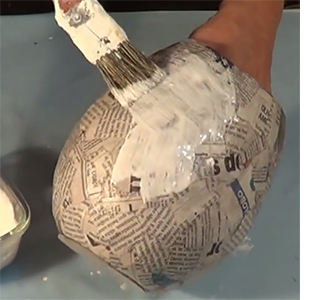 HOME DZINE Craft Ideas   Make these easy paper mache pots paper mache pots craft ideas projects