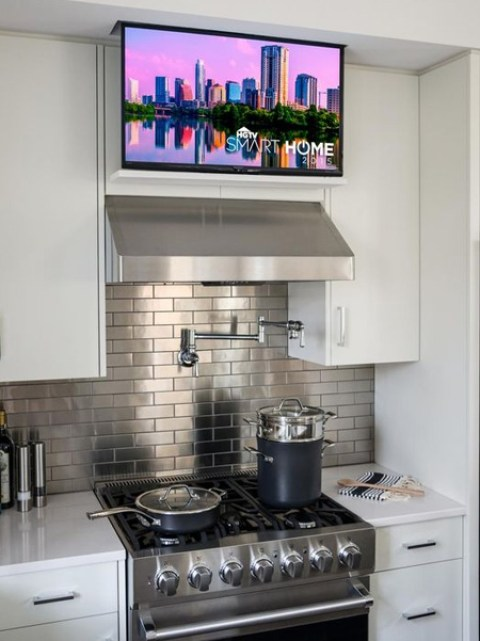 More kitchens will be sporting designated spaces and even hidden charging stations for smart devices like phones and tablets. State of the art appliances, ranging from steam ovens to built-in coffee machines and wine coolers, are also the in thing for families who are on the go.