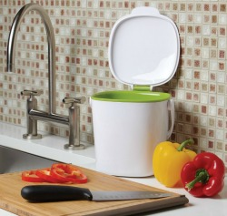Oxo Good Grips compost bin 52 week home organization