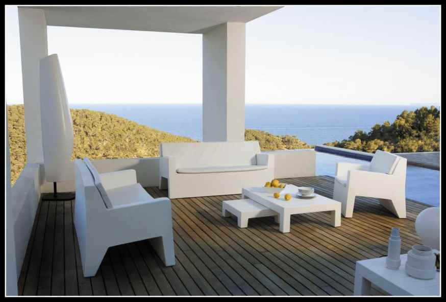 greek-decor-outdoor-furniture