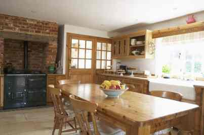 affordable, budget-friendly country kitchen