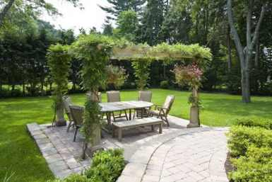 Nice Look of Traditional Style Covered Garden Patio Pergola