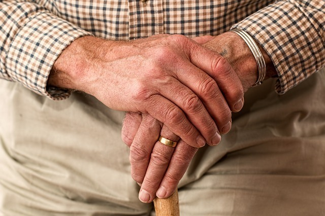 hands-981400_640-1