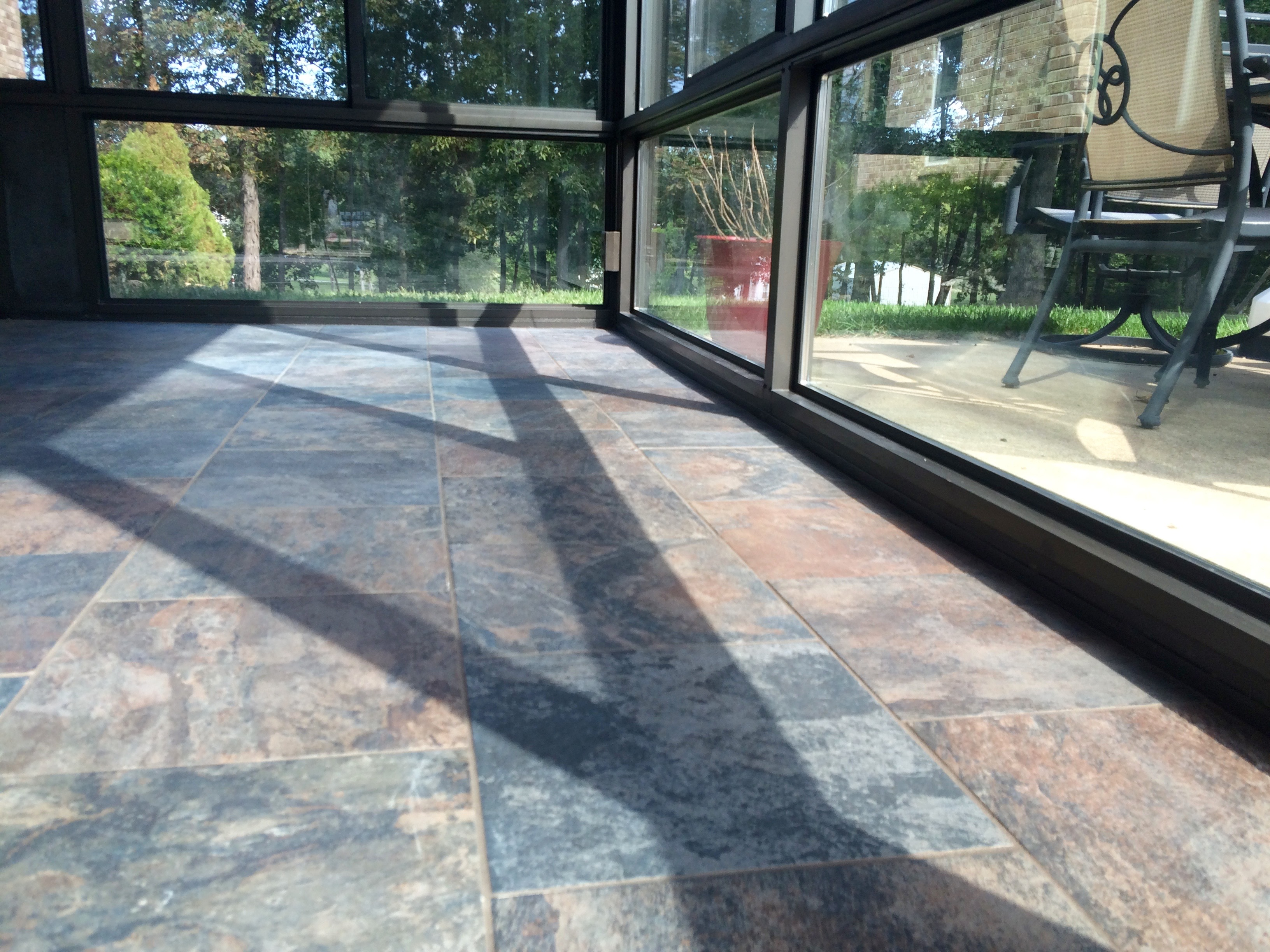 cons of porcelain tile flooring