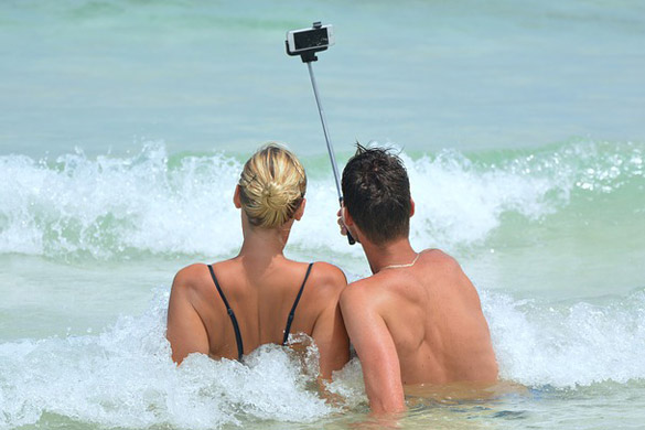 No social media posting while on vacation