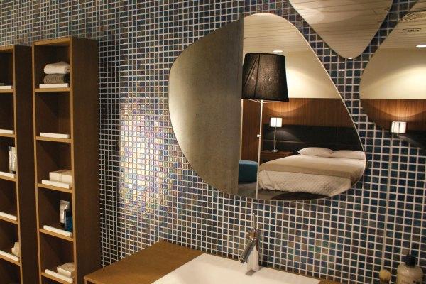Wallpaper: delicate style