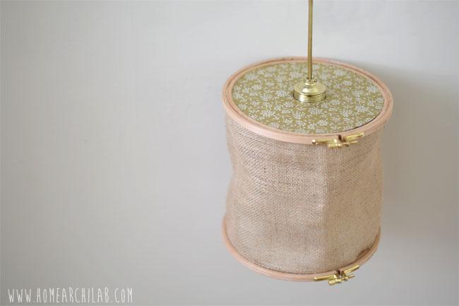 BONUS DIY: COMO HACER UNA LAMPARA DE TECHO Pantallas para lámparas originales con bastidores de madera para bordar y tela de saco