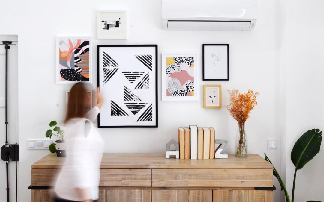 COMO COLGAR UNA COMPOSICION DE CUADROS El método fácil y sin agujeros de la Gallery Wall de mi salón con Desenio